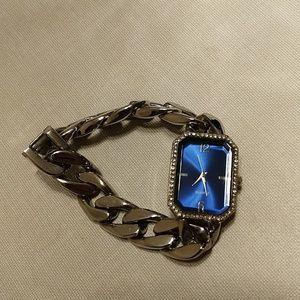 Accessories - Bracelet Silver Chain Style Fashion Watch Blue EUC